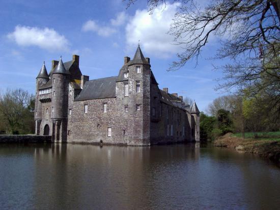 La chateau de Trécesson